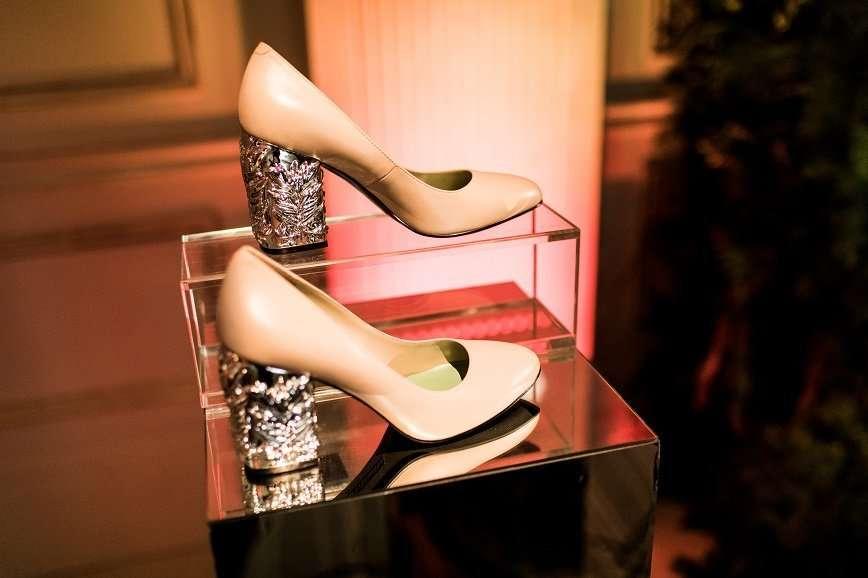 Алла Пугачева оценила обувь и аксессуары линии Alla Pugachova