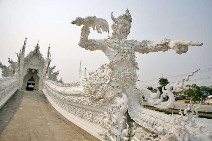 Белый храм в Чианг Рай