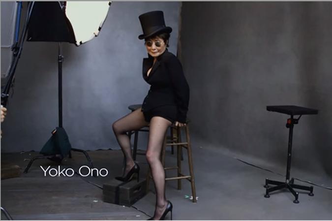 82-летняя Йоко Оно снялась для календаря Pirelli