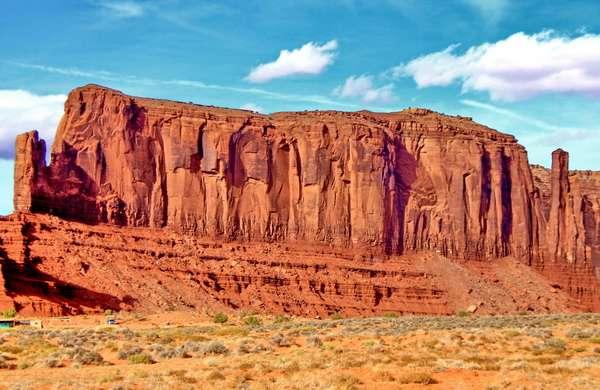 Долина Монументов - парк племени Навахо