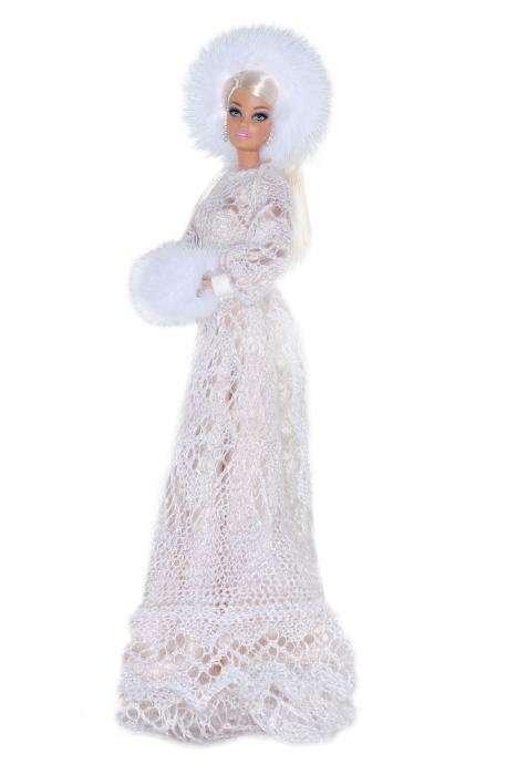 Российские дизайнеры создали наряды для куклы Барби