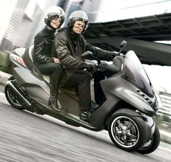 Скутер Peugeot HYbrid 3 Evolution